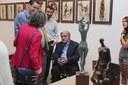 L'alcalde inaugura l'exposició de Manuel Cusachs inspirada en Salvador Espriu