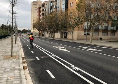 Carril bici a la ronda de Miguel de Cervantes. Foto: Ajuntament