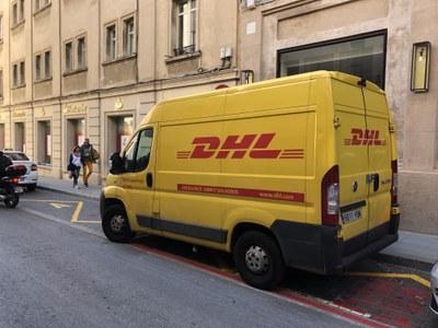 Zona DUM, d'ús exclusiu per a vehicles de transport i repartiment. Foto: Ajuntament