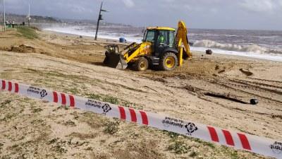 Treballs d'estabilització dels talussos a la platja del Callao. Foto: Ajuntament