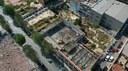 S'executen les obres d'enderroc de cinc naus industrials de la ronda de Barceló