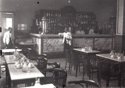 Treballadors del Cafè Nou. Autor: Unió de Cooperadors